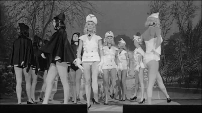 РЕВУЩИЕ ГОДЫ (1962) - комедия. Луиджи Дзампа 720p
