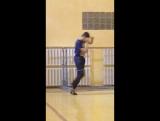Ии Саркис танцует низкий флекс
