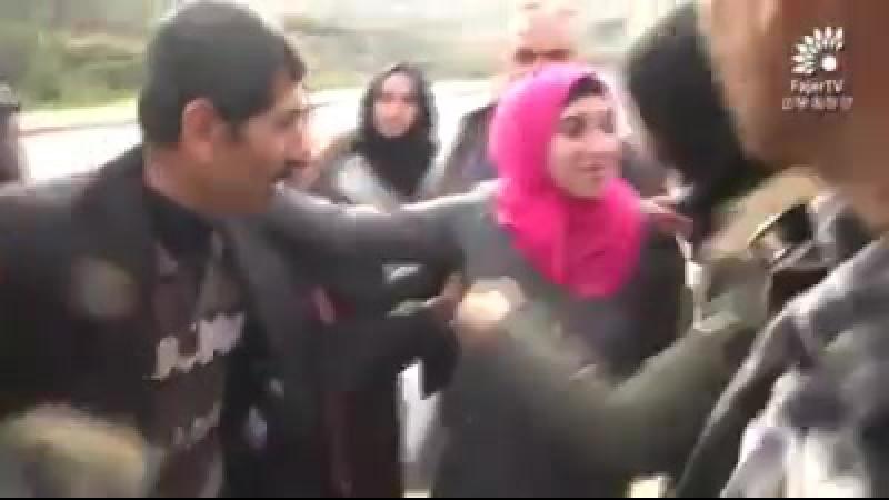 Vidéo émouvante Au moment aujourd'hui où Amal Jamil (17 ans) est libérée des prisons israéliennes, après avoir été condamnée à