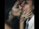 Страстный поцелуй двух девушек