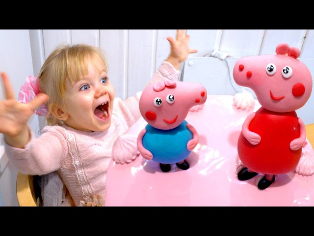 Peppa Pig Birthday Cake for Super Vanessa. Happy Monkey Finger Toy Unboxing.