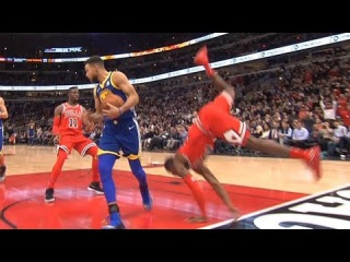 Kris Dunn Hard Fall / Smashed His Face / GS Warriors vs Bulls