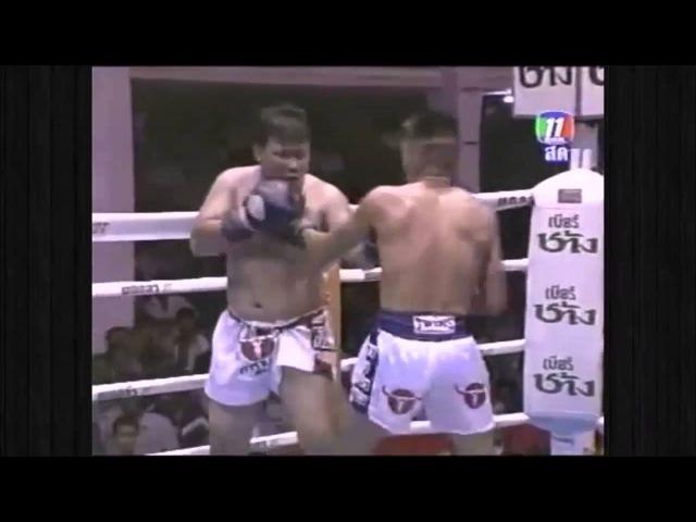 Самый смешной поединок Муай Тай [Funniest Muay Thai Fight]