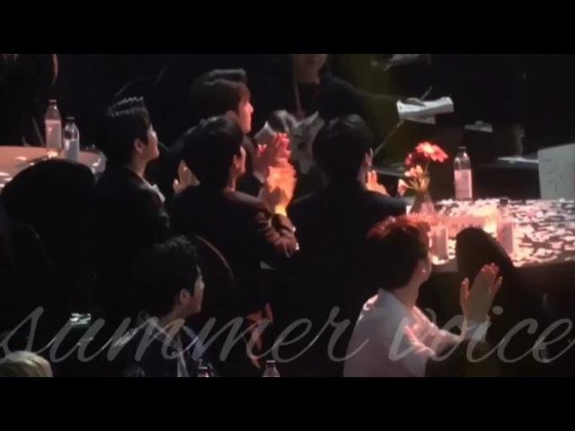 Minhyun glanced to Jonghyun [Gaon Chart Music Awards] 14.02.2018