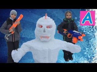 Страшный снеговик у нас во дворе Как мы его проучили