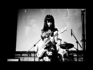 Call Me Zombie (Messer Chups - They Call Me Zombie)| History Porn