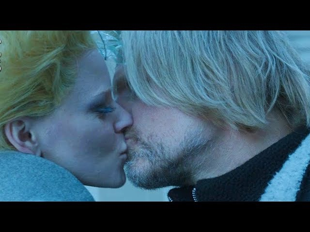 Mockingjay Part 2: Haymitch Effie Kiss Scene