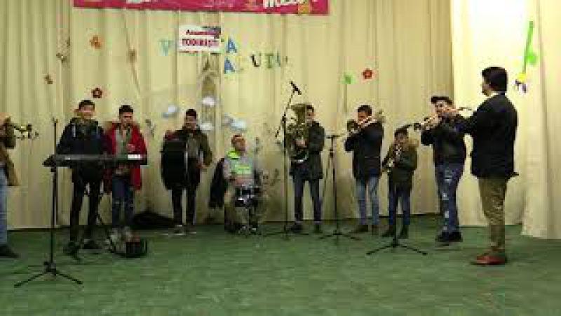 Fanfara Rotaria regal de fanfară la Todiresti dirijor prof Romeo Tălmaciu 31 12 2017 HD