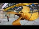 Огромные винты для больших судов Ремонт восстановление и испытания разрезают плотную сеть проволоку и ткани