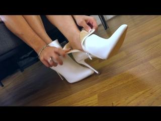 Princess_Carmela_-_Leave_Her_For_My_Feet