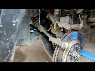 Nissan Qashqai (Ниссан Кашкай) 2012 г.в замена передних тормозных колодок