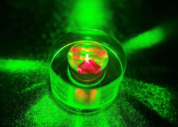 В Великобритании создали первый постоянный микроволновый лазер