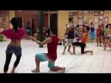 Дети танцуют кубинские танцы