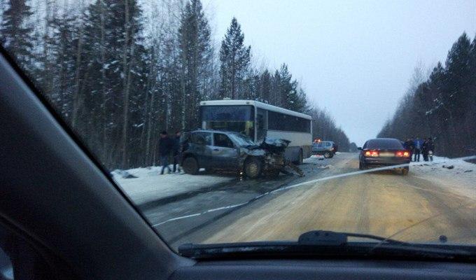 Полиция проверяет обстоятельства ДТП на трассе Стрежевой-Нижневартовск
