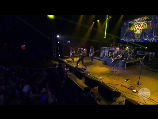 anthrax - caught_in_a_mosh_bw_carry_on_my_wayward_son_(2017_loudwire_music_awards)