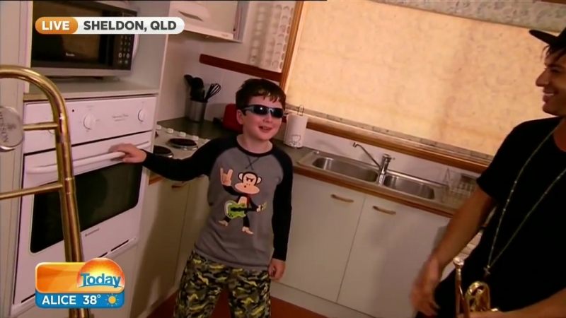 When_mom_isn't_home_part_2._A_suprise_visit_from_timmy_trumpet_(MosCatalogue.net).mp4