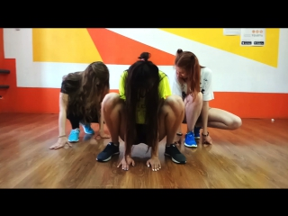 dancecover escalate tsarB