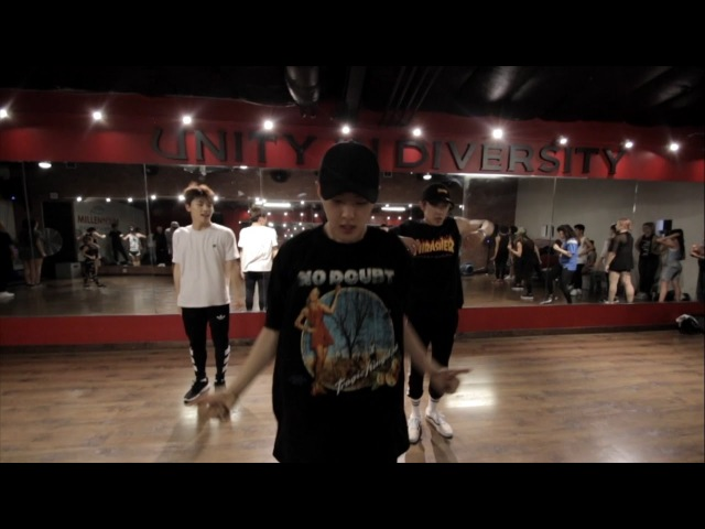 Chris Brown - Privacy ( Feat. SEVENTEEN ) choreography by @Bobby11Dacones