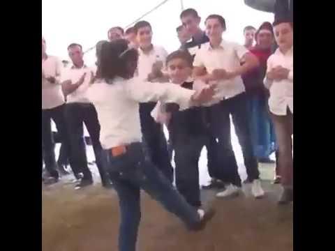 Маленькие Талыши танцуют классно balaca Talişlar gözəl rəqs edirlər 2018