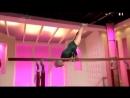 86-ти летняя гимнастка. Браво ей!