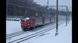 ЭР2Т 7144 в снежной пелене на перегоне Солнечная - Внуково Московской железной дороги.