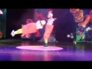 Алиса в стране чудес Акробаты на роликах