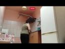 Горячие мамочки танцуют под «Satisfaction»