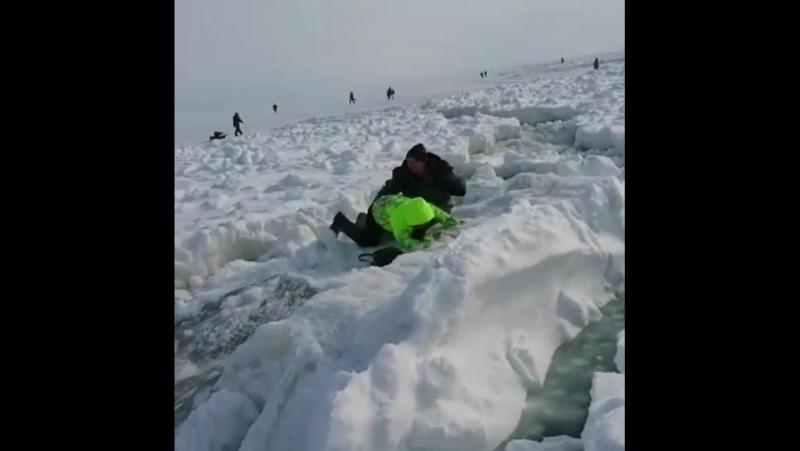 Популярный сахалинский аттракцион По льдинам 20 января работал бесплатно на Лесном (юг острова)
