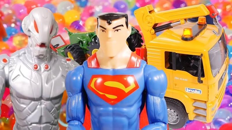 Супермен и машинки. Видео на английском языке.