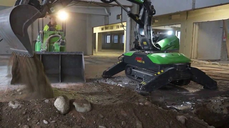 Avant Tecno Loaders Robot 185 - The demolition squad