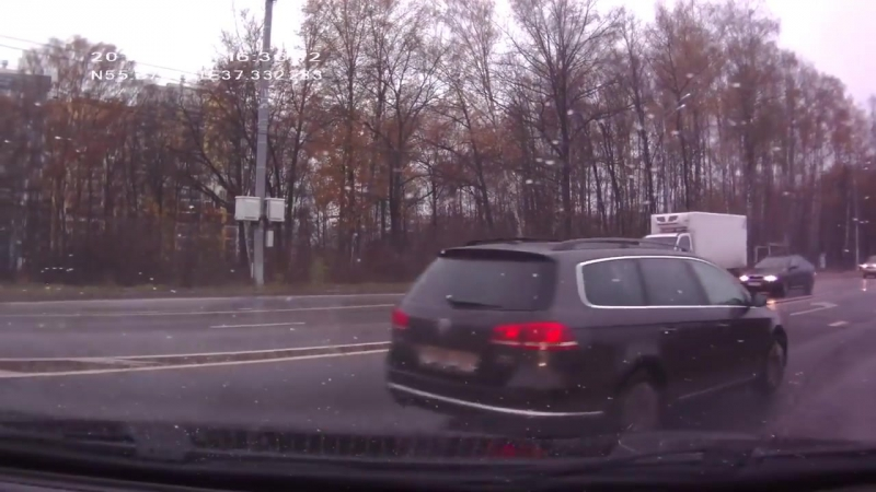 Авария на Пятницком шоссе у ТЦ Отрада