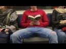 Девушка, обливающая промежность мужчинам в метро, оказалась фейком