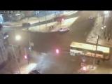 Пьяная женщина попала под пассажирский автобус в Красноярске