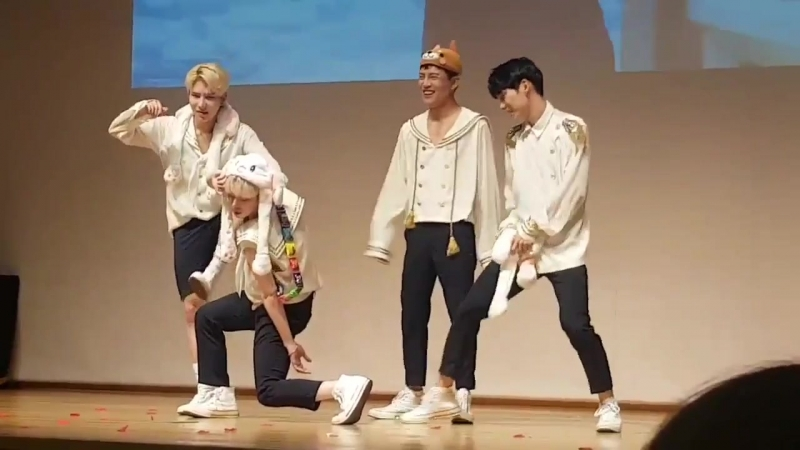 FANCAM   04.08.18   A.C.E (Phototime) @ 14th fansign in Donja Art Hall