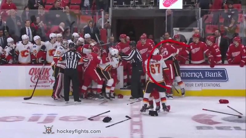 Hockey fight Brett Kulak vs Luke Witkowski Nov 15 2017 Массовая драка в сего