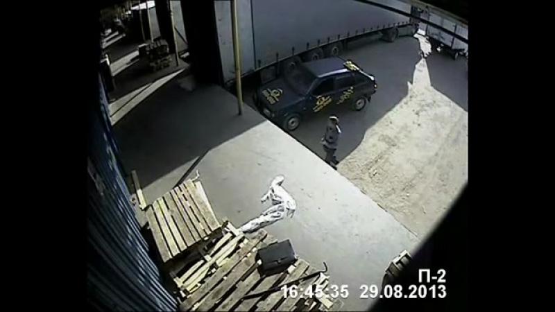 жуликоватый таксист