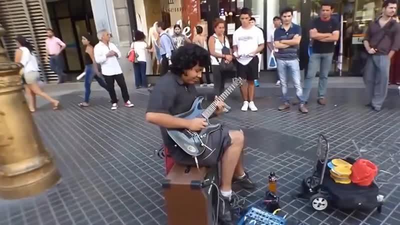 Уличный музыкант играет Scorpions Still Loving You! Вот это мастерство