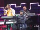 Pharrell Williams/Stevie Wonder complete GET LUCKY duet at Global Citizen Festival 2017