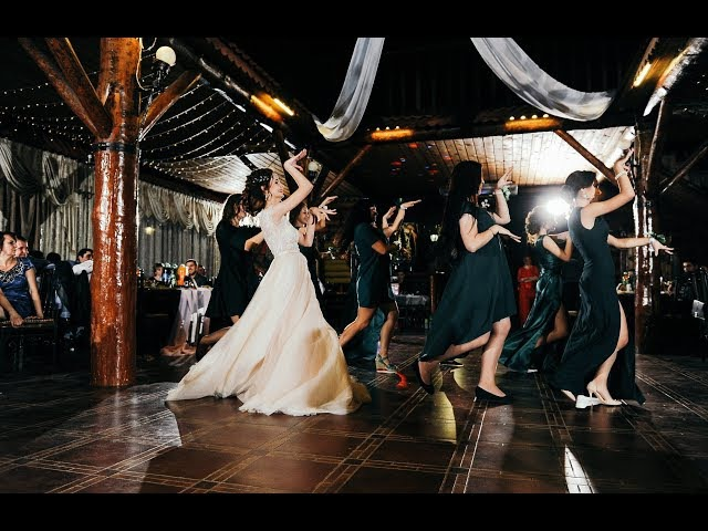 СЮРПРИЗ ЖЕНИХУ! танец невесты с подружками на свадьбе! Bridesmaids dance!