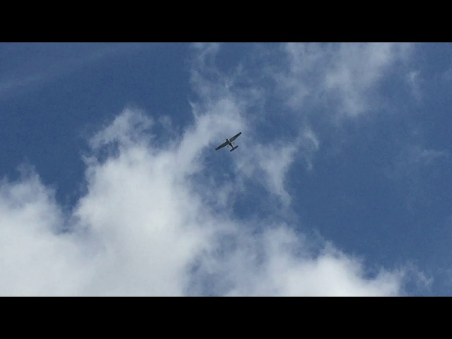 Avião: Circo Maximus. Janela da Sala, Tiguera 360, JF, MG, BR. IMG_2729. 48,8 MB. 10h30. 16mar18