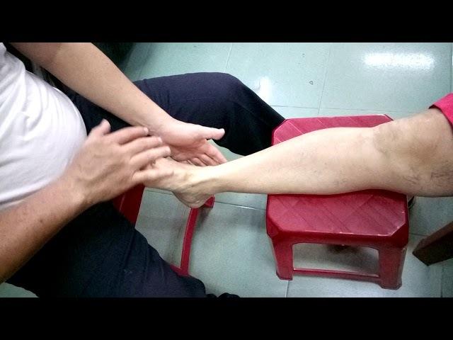 Мастер-класс массажа ног от доктора Ли при проблемах с венами и судорогах в ступнях
