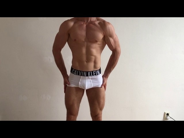 =FLEXING4MONEY= Muscleboy shows off on cam!