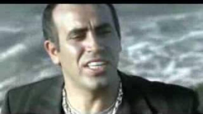 Haluk Levent Çemberimde Gül Oya şarkısı video klibi Çemberimde gül oya gülmedim doya doya dertleri karıyorum günleri saya saya al beni ...