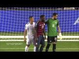 El Salvadors Henry Romero bites USA's Jozy Altidore in Gold Cup HD