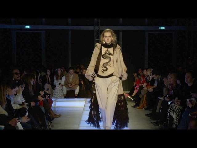 Les Copains | Fall Winter 2018/2019 Full Fashion Show | Exclusive