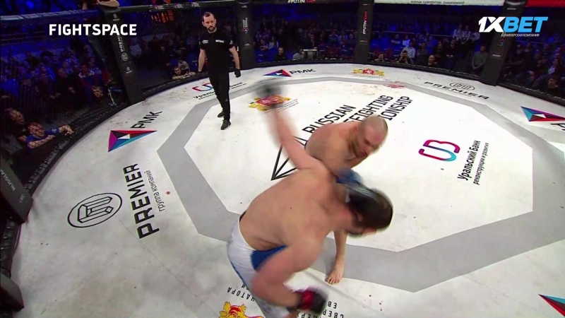 RCC 1 Евгений Бондарь (Россия) vs Лукаш Бьенковски (Польша)
