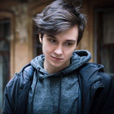 Денис Большев
