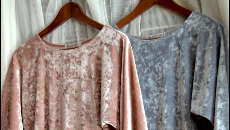 Платье АНДЖЕЛИНА миди голубовато-серый и розовая пудра.