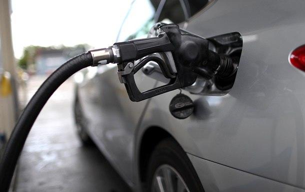 Цена бензина на заправках превысила 30 грн за литр, эксперты прогнозируют 45 грн/литр