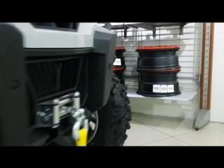 Мотовездеходы Can-Am Commander DPS 800 в гипермаркете